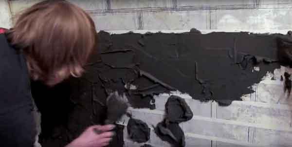 Нанесение штукатурки на подготовленную стену