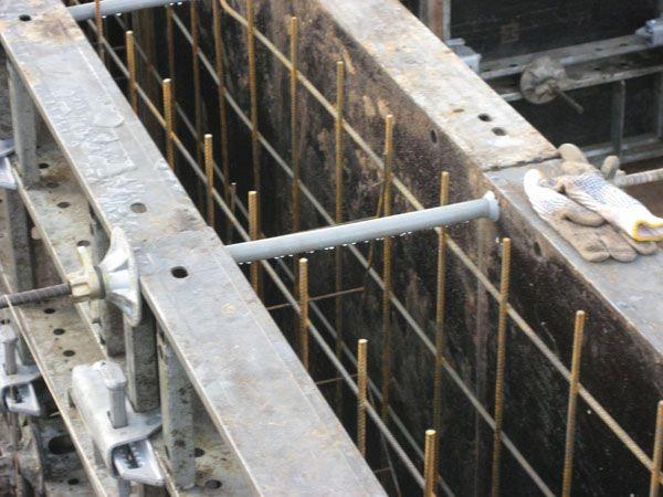 Металлическая опалубка для ленточного фундамента