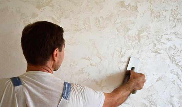 Основные правила шпаклевки стен под обои своими руками